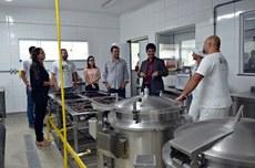O deputado visitou o Restaurante Estudantil e laboratórios do campus