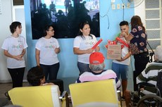 A festa de encerramento contou com entrega de certificados e apresentação de música