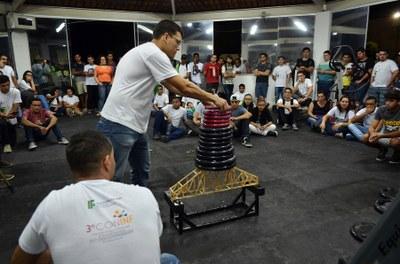 Final do 3º Concurso de Pontes Treliçadas de Palito, realizada dentro da 2ª Semana da Mecânica do IFF Itaperuna, durante a Semana Acadêmica.