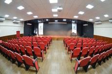 O recém-inaugurado cineteatro do IFF Itaperuna terá palestras, exibição de filmes e apresentações culturais durante o evento