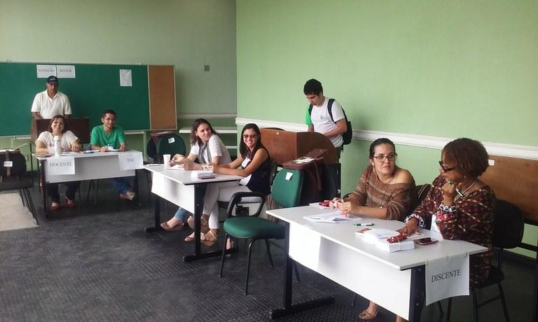 Votação no campus Macaé