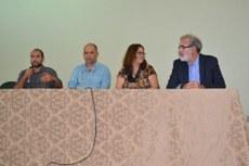 Mesa de abertura com Vitor Miano, Marcos Cruz, Maria Inês Paes e Fernando Meirelles.