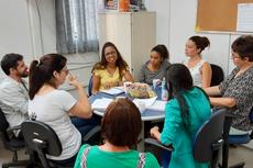 Participaram da reunião as pedagogas Sandra Dias e Sueli Assad, o psicólogo Marcelo Quirino, a assistente social Déborah Spotorno e a representante do Conselho Tutelar 2, Ingrid Fernandes.