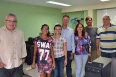 A coordenadora do mestrado em Engenharia Ambiental, Maria Inês Paes, recebeu o grupo da graduação da Faculdade Salesiana.