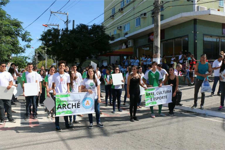 Estudantes e Servidores participam das atividades em comemoração ao aniversário do município