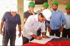 Assinatura do Termo aditivo ao Convênio de Cooperação Técnica entre IFF e Prefeitura de Maricá (foto: João Henrique / Maricá Info).