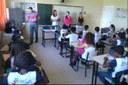 Os servidores conversaram com os estudantes sobre os riscos e formas de prevenção.