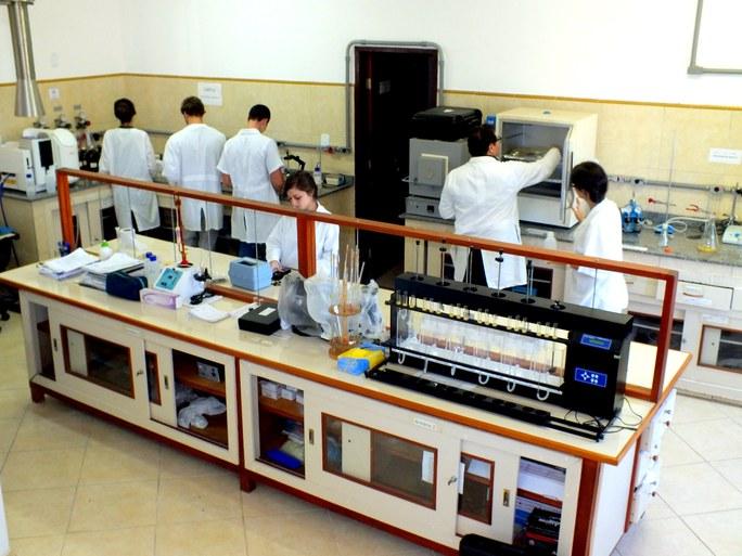Laboratório de Análises de Águas (Labfoz) - Imagem 3