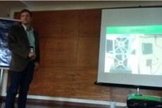 Rogério Atem durante apresentação no Simpósio de Aplicações Telemáticas