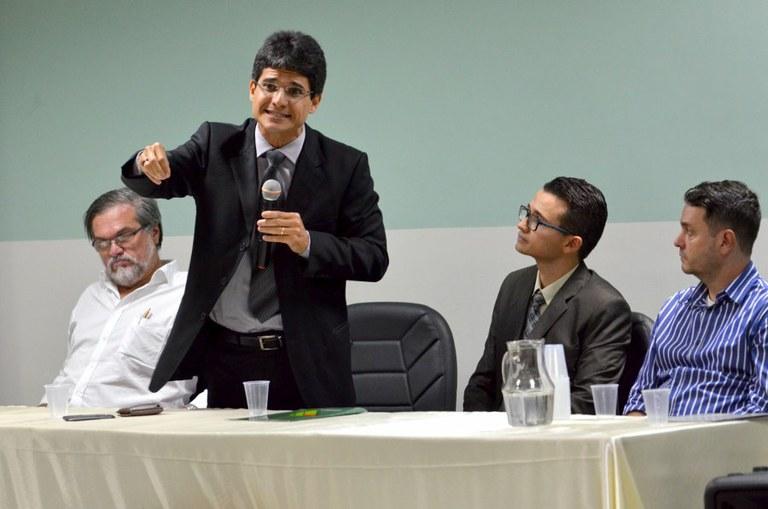 Campus realiza cerimônia de posse de diretor geral