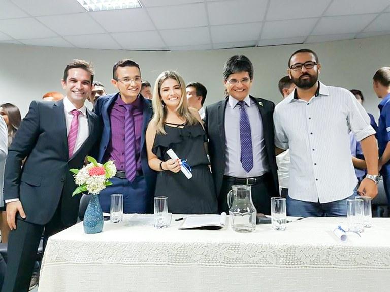 Emoção marca formatura dos primeiros alunos do Campus Pádua