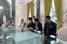 A sessão de assinatura do termo ocorreu no Palácio Guanabara - Rio de Janeiro.