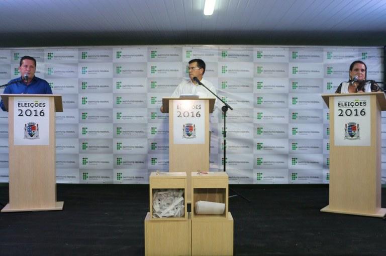 Campus São João da Barra realiza o primeiro debate entre os prefeitáveis do município 5.jpg