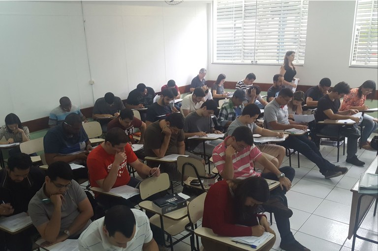 150 candidatos concorrem a vagas para o Mestrado em Sistemas Aplicados à Engenharia e Gestão