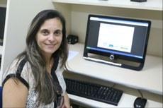 A professora Simone Vasconcelos é autora da proposta (Foto: Ascom Reitoria).