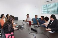 Gestores e servidores do IFF, Uenf, UFMG e IFSC durante encontro.