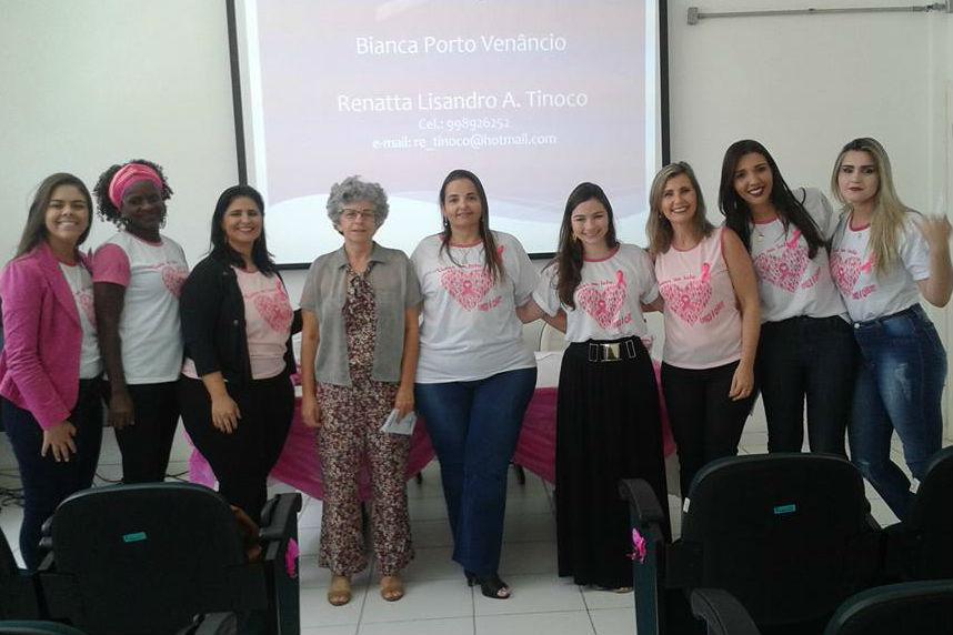 Equipe organizadora do Outubro Rosa na Reitoria