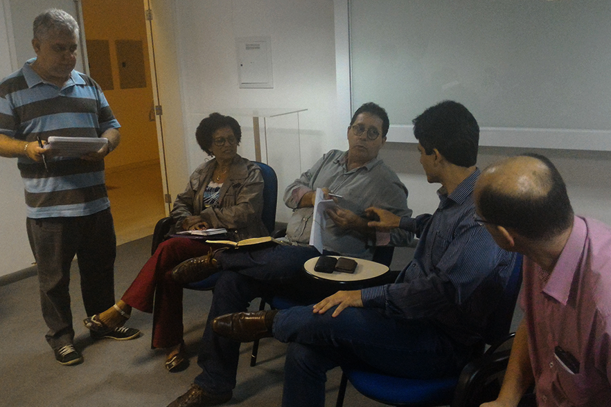 Fidesc e emissoras de televisão definem últimos acertos para debate municipal em Campos