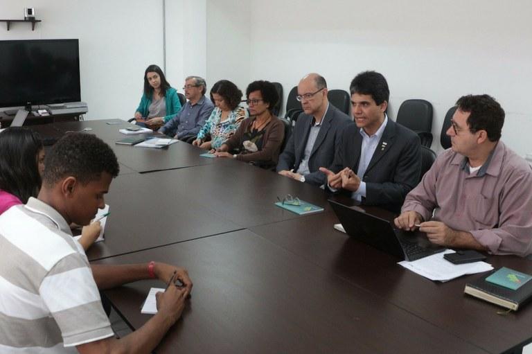 Fidesc realiza coletiva de imprensa para apresentar  o funcionamento do debate em Campos