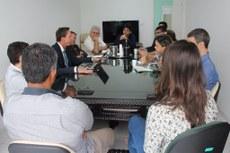 Consultor Peter Dostler conversa com dirigentes do IFFluminense