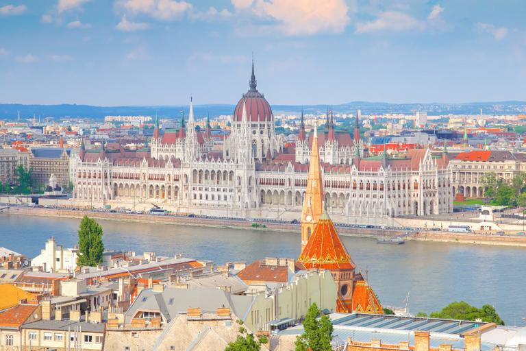 Inscrições abertas para bolsas de estudos na Hungria