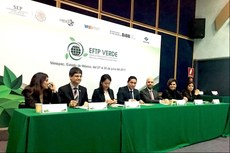 Mesa de abertura do evento EFTP Verde. Cerimônia foi realizada no Auditorio Ángel María Garibay do Conalep.