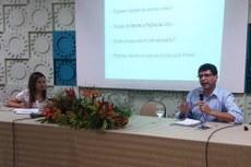 O professor Marcelo Feres ministrou a palestra de abertura