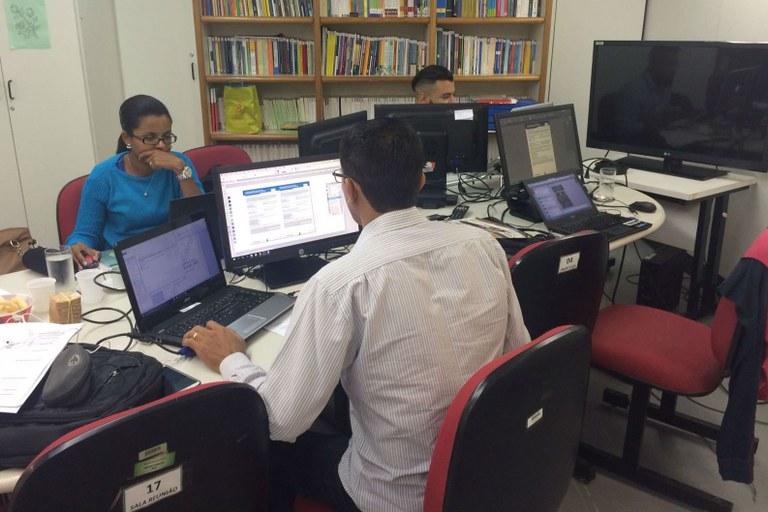 Servidora integra equipe do Ministério da Educação