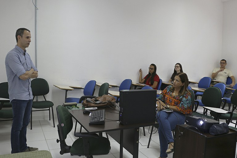 Servidores do IFF iniciam Curso de Análise Estatística
