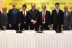 Jefferson Manhães com dirigentes do MEC e do IFFluminense durante sua posse, em Brasília