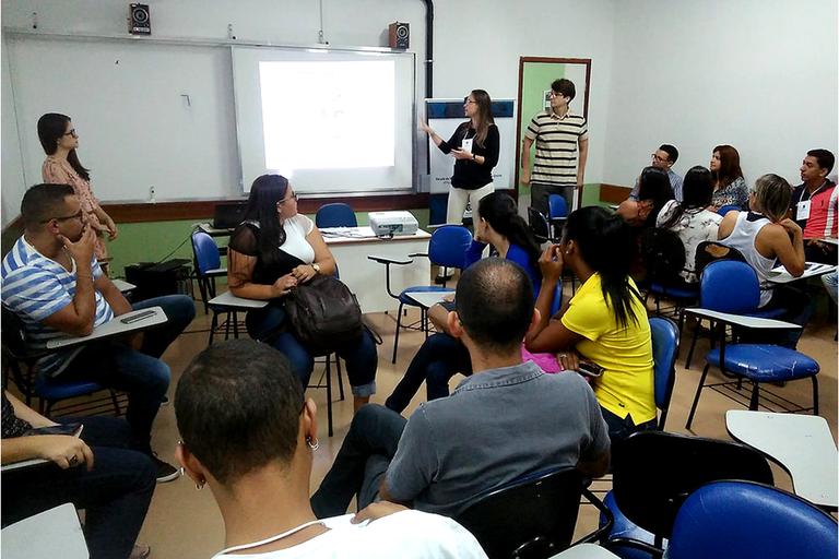 Coordenação de Metodologias e Tecnologias para a Educação (COMTED) prepara curso sem disciplinas