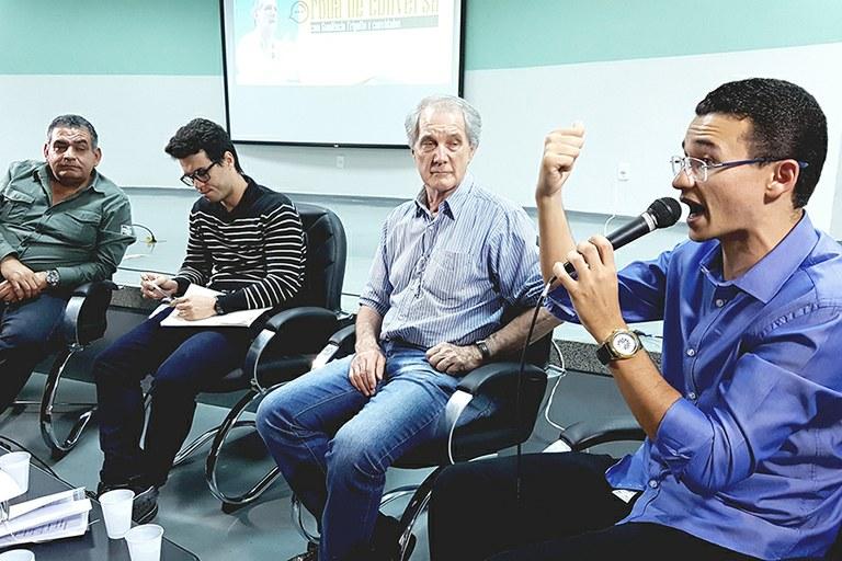IFF Pádua recebe Gaudêncio Frigotto para discussão sobre o Ensino Médio Integrado nos Institutos Federais