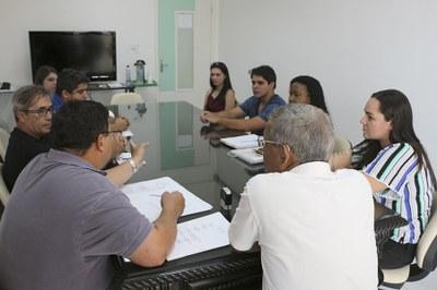 Reunião foi para dar início a cinco obras que estavam paralisadas.