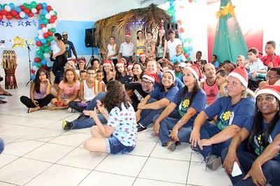 A entrega foi feita durante a festa preparada pela Apae para os alunos atendidos e seus familiares