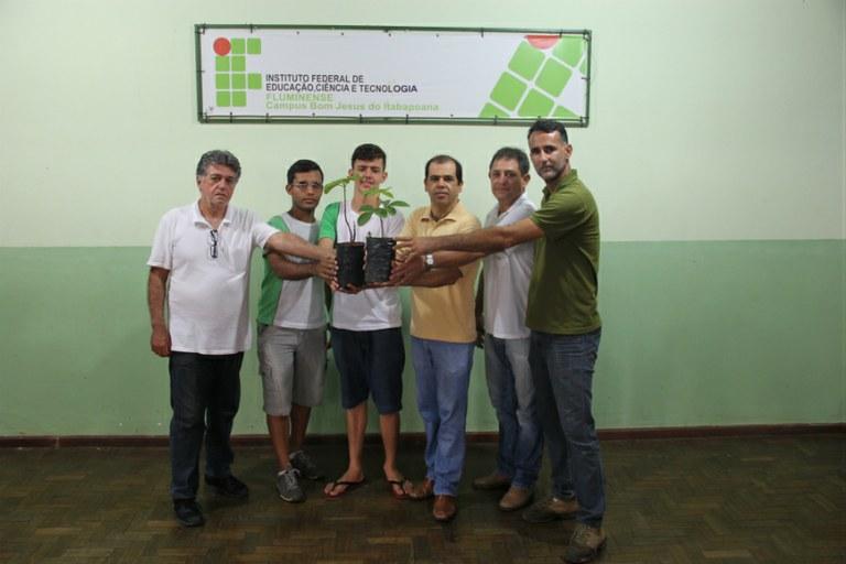 Projeto traz espécie do cerrado para reflorestamento no Noroeste Fluminense