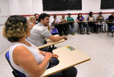 Trabalhadores voltam à sala de aula no campus Santo Antônio de Pádua.