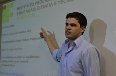 Anderson Vidal, professor de Direito do campus Itaperuna e coordenador dos projetos.