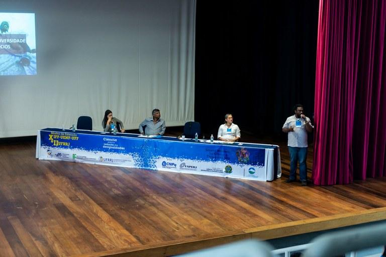 """""""Empreendedorismo social e diversidade como futuro dos negócios"""" foi tema de mesa redonda"""