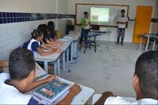 Projeto do IFPE realiza oficinas pedagógicas para alunos do 6° ao 9° anos do Ensino Fundamental (Foto: IFPE).