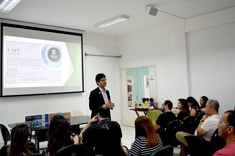 Ações de Pesquisa, Extensão e Inovação são apresentadas durante Café com o Reitor