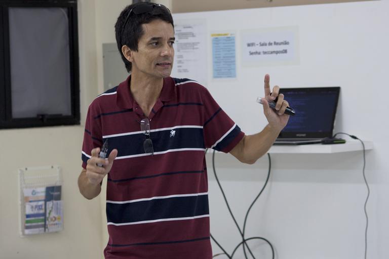 Alunos do IFF apresentam projetos no segundo dia do XI Confict