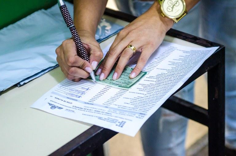 Cerca de 1500 candidatos participam da 2ª fase do Vestibular do IFF