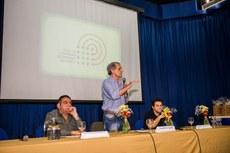 A mesa-redonda foi ministrada por Ricardo José de Azevedo Marinho (Unigranrio), Gaudêncio Frigotto (Uerj) e Pedro Luiz de Araújo Costa (Colégio Pedro II).