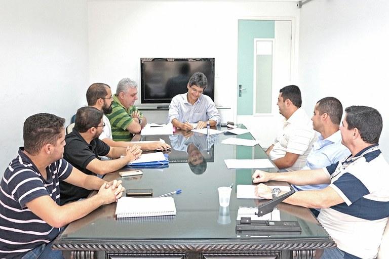 Comissão de Flexibilização entrega relatório à Reitoria do IFF