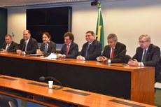 A Frente Parlamentar tem como prioridade a defesa do Orçamento (Foto: Nívea Furtado - Conif)