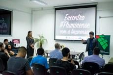 A diretora de Comunicação, Juliana, e o reitor do IFF, Jefferson, na abertura do Encontro IFFluminense com a Imprensa.