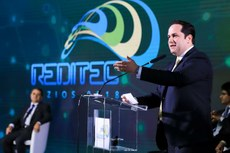 Ministro da Educação em exercício, Henrique Sartori, no encerramento da Reditec (Fotos: Gildo Júnior - IFRR)