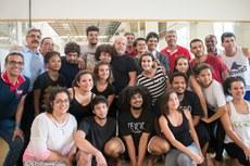 Lula com estudantes da Licenciatura em Teatro