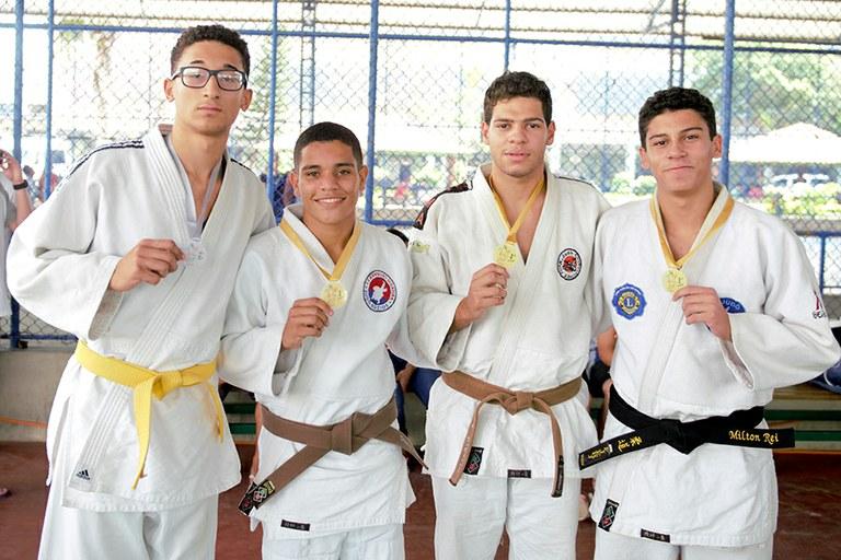 Atletas do IFF conquistaram sete ouros e três pratas