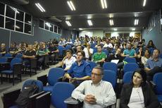 Servidores, estudantes e profissionais de outras instituições participaram.